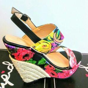 Black Colorful Wedge Heel!